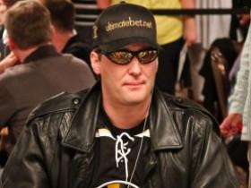 只需要四招教你练就一张扑克脸