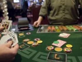 扑克牌玩家因出老千被捕