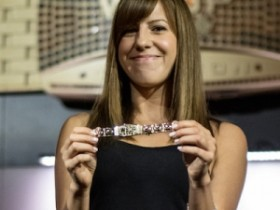 蜗牛扑克:Kristen Bicknell首次出席《深夜德扑》