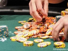 【蜗牛扑克】牌局分析:翻前犯错却意外得到回报
