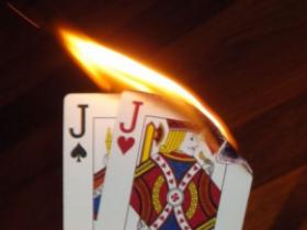 博狗扑克:错失价值的高对