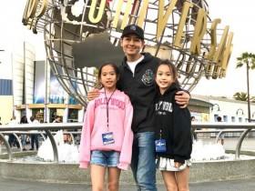 蜗牛扑克:林志颖带钟丽缇的俩女儿出游 姐妹花大长腿抢镜