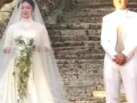 【蜗牛扑克】51岁金星与老公复婚礼后首次现身  气场强大女人味十足