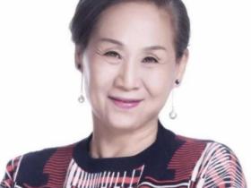 """【蜗牛扑克】她被称为是中国""""最贵的女演员"""",她的儿子大家一定认识"""