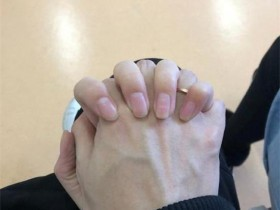 【蜗牛电竞】卷毛情人节领证,微笑送祝福:早生贵子