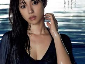 【蜗牛扑克】深田恭子33岁前在水中湿身透视 展现不经意的性感诱惑