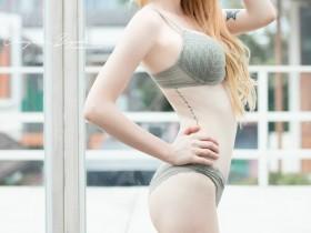 【蜗牛扑克】混血美女Jessie Vard 蕾丝内衣乳晕美白超级诱惑