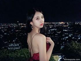 【蜗牛扑克】台湾正妹叫何蓁 低胸装美女夜景照迷人
