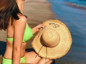 【蜗牛扑克】台湾正妹Mia Tsao 美女老师性感比基尼不输专业模特