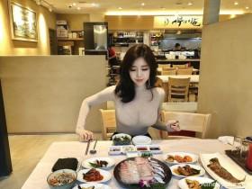 【蜗牛扑克】韩国正妹Choi Somi 透视装巨乳若隐若现逼死食客