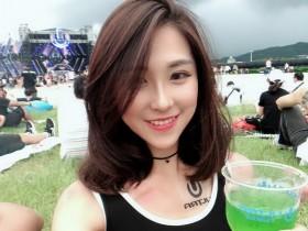 【蜗牛扑克】台湾性感正妹Hikari IG秀大尺度照片令人一饱眼福
