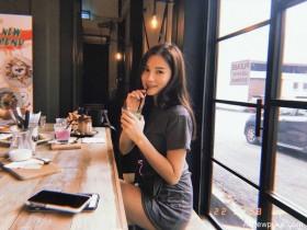 【蜗牛扑克】大马长发美女Li Peng 性感黑色比基尼秀完美身材