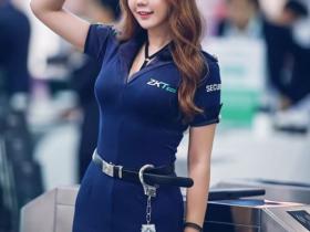 【蜗牛扑克】模特扮演安检女警甜美笑容迷人 傲人巨胸快撑破制服