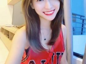 【蜗牛扑克】大马正妹李艳馨 清新虎牙妹子甜美可爱