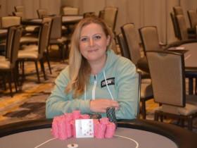 【蜗牛扑克】Laura Moore赢得波托马克扑克公开赛$370买入公开赛冠军