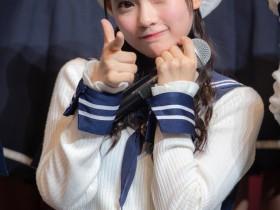 【蜗牛扑克】15岁日本正妹齐藤なぎさ晒眨眼影片 性感洋装裸露香肩