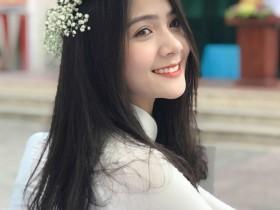 【蜗牛扑克】越南天使般美女 高颜值正妹甜美笑容迷人