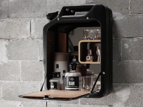 【蜗牛扑克】设计师以二战汽油桶为灵感 设计Danish Fuel置物柜兼具品味质感