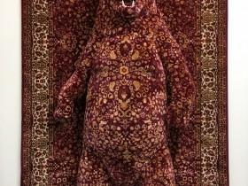 【蜗牛扑克】雕刻家手下的地毯雕塑 视错觉艺术感觉动物从地毯浮现
