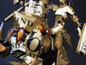 【蜗牛扑克】纸模型达人制作巧克力黄金骑士 用巧克力包装盒制作骑士帅气
