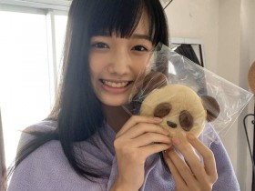 【蜗牛扑克】18岁的童颜巨乳安藤咲樱 身材丰满喜欢WWE摔角!