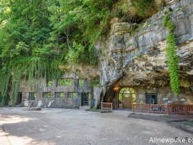 【蜗牛扑克】神祕奢华洞穴旅馆 体验007庞德特务感