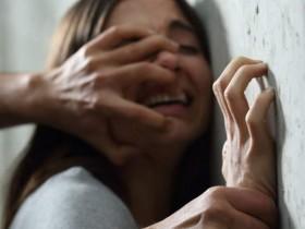 【蜗牛扑克】阿根廷夫妻用15岁女儿身体抵房租 常遭继父性侵曾怀孕流产