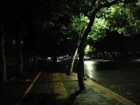 【蜗牛扑克】像是走在凌晨两点的街上