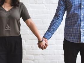 【蜗牛扑克】男女之间有纯友谊吗 男同性恋者容易与女生成闺蜜