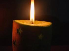 【蜗牛扑克】守孤灯一盏,胜过一城灯火璀璨