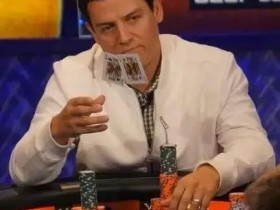 【蜗牛扑克】德州扑克分析-敲到河牌,被加注后扔掉葫芦!你做得到吗