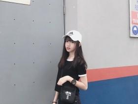 【蜗牛扑克】今日妹子图20200314:马来西亚18岁学生妹Ciao Wen(巧雯)