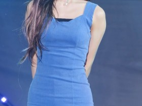 【蜗牛扑克】러블리즈(Lovelyz)아츄蓝色包臀裙性感饭拍