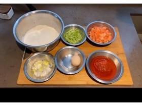 【蜗牛扑克】50岁林依轮变网红?手把手教做家常菜,转行当厨师比唱歌还出名