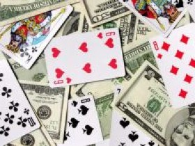 大多数玩家累积起始扑克资本的方式