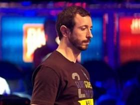 """蜗牛扑克:Brian Rast在超级碗豪客赛""""偷鸡"""",被女牌手逮个正着"""