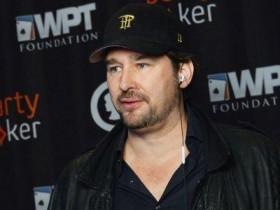 蜗牛扑克:Phil Hellmuth因高价售卖WSOP门票股份遭受抨击