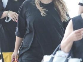 【蜗牛扑克】CL表示不在意身体发福 呼吁歌迷不要在意他人言论