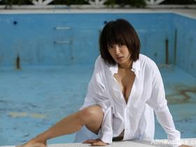 【蜗牛扑克】《GANTZ》《纯与爱》夏菜最后写真 美乳身段极限解放
