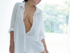 【蜗牛扑克】片山萌美写真精选 G奶女神获选年度最强美乳