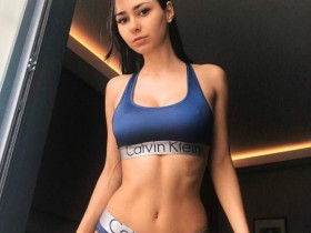 【蜗牛扑克】欧美大屁股美女丰乳翘臀 90后性感模特Helga Lovekaty大尺度写真