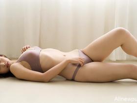 【蜗牛扑克】新晋写真女星华村飞鸟(华村あすか) E罩杯清纯性感写真欣赏