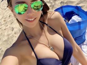 【蜗牛扑克】日本阳光正妹晒旅游自拍照 沙滩比基尼美女巨乳诱人
