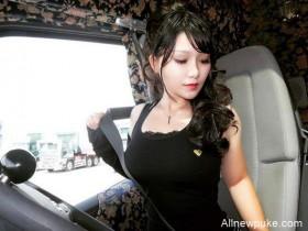"""【蜗牛扑克】日本美女司机佐佐木梨乃 """"卡车界的娜美""""身材性感火辣"""