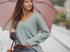 【蜗牛扑克】欧美模特Nicola Cavanis 小麦肤色美女笑容阳光