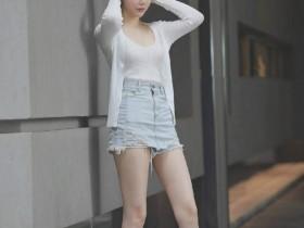 【蜗牛扑克】街头正妹穿搭实拍 时尚美女完美身材惊呆网友