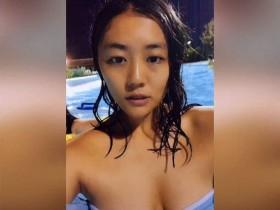 【蜗牛扑克】日本抖音正妹性感迷人 美眉泳装抖音短片堪比工口片