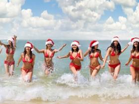 【蜗牛扑克】性感红色圣诞女郎 美女圣诞装前凸后翘令人好性福