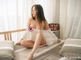 【蜗牛扑克】大乳房美女祼体图片 翘臀辣妹Jenny床照露点