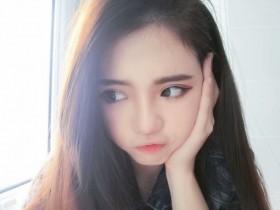 【蜗牛扑克】网络女神正妹黄嘉琪 娇小玲珑甜美可爱萌倒网友